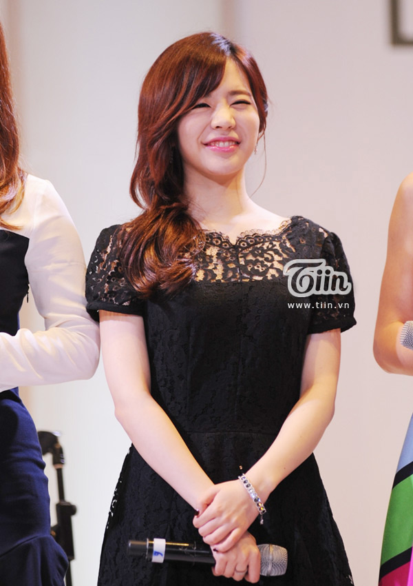 SNSD Sunny Lotte Department Store Vietnam opening