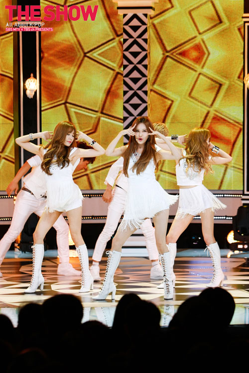 SNSD TaeTiSeo Holler SBS MTV The Show
