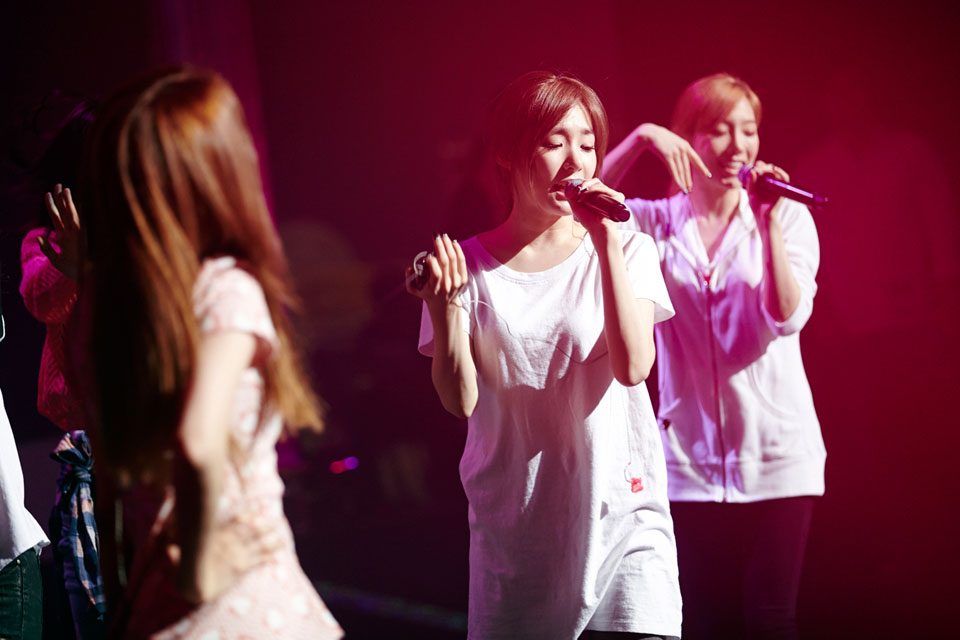SNSD Tiffany Holler showcase event