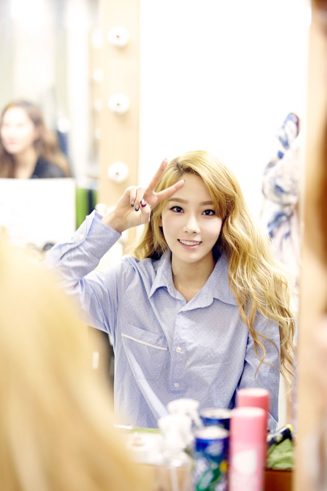 SNSD Taeyeon Holler showcase event