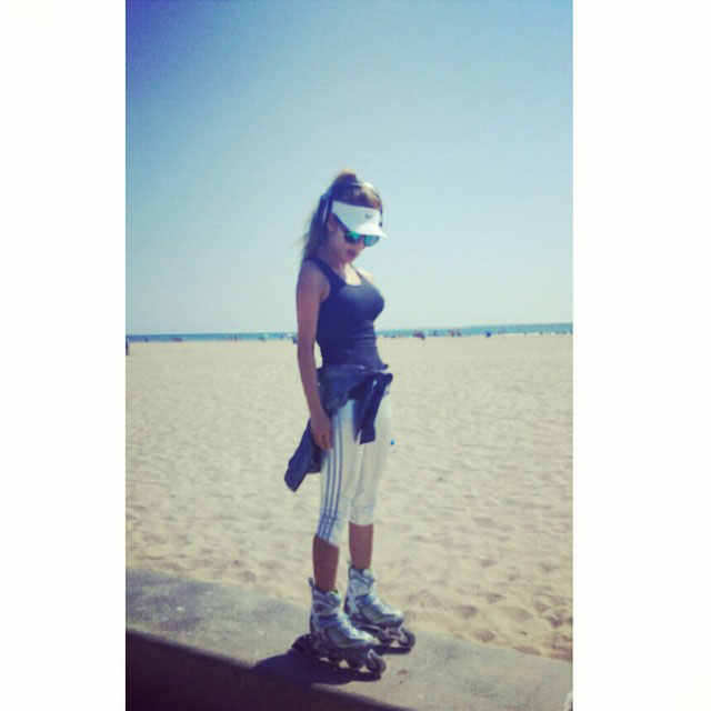 SNSD Hyoyeon Instagram California beach