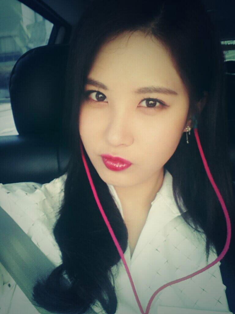 SNSD Seohyun Twitter media player selca