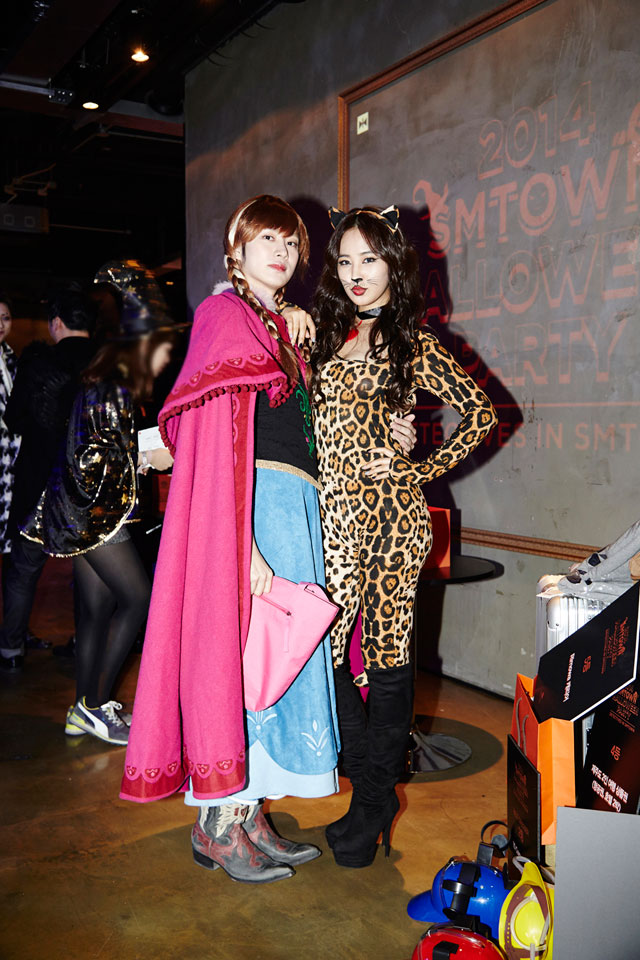 SNSD Yuri Heechul SMTOWN Halloween Party 2014