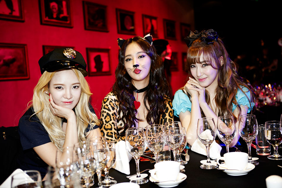 Hyoyeon Yuri Tiffany SMTOWN Halloween Party 2014