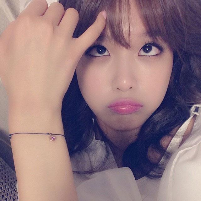 SNSD Sooyoung Instagram aegyo selca