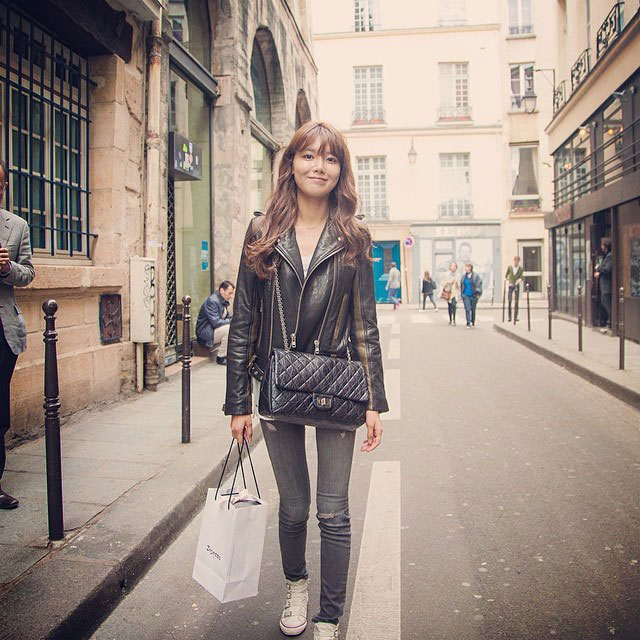 SNSD Sooyoung Instagram Paris street