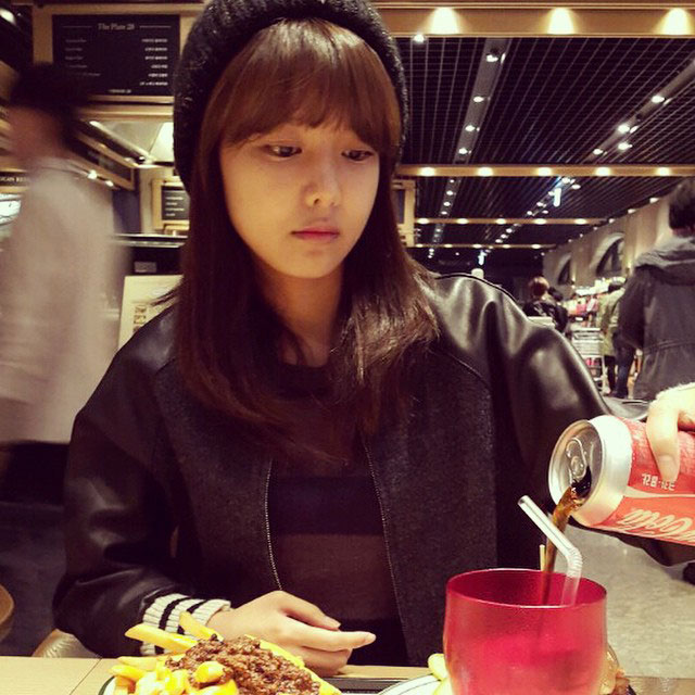 SNSD Sooyoung Instagram Coca Cola photo