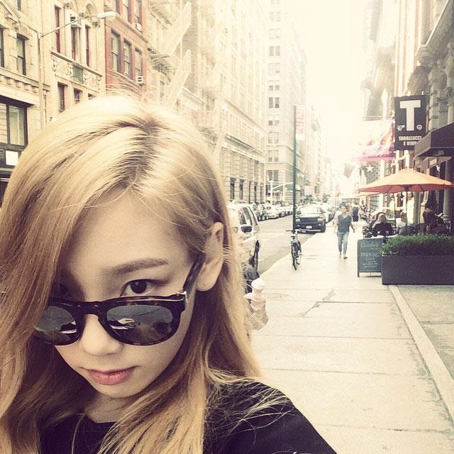 SNSD Taeyeon Instagram New York selca