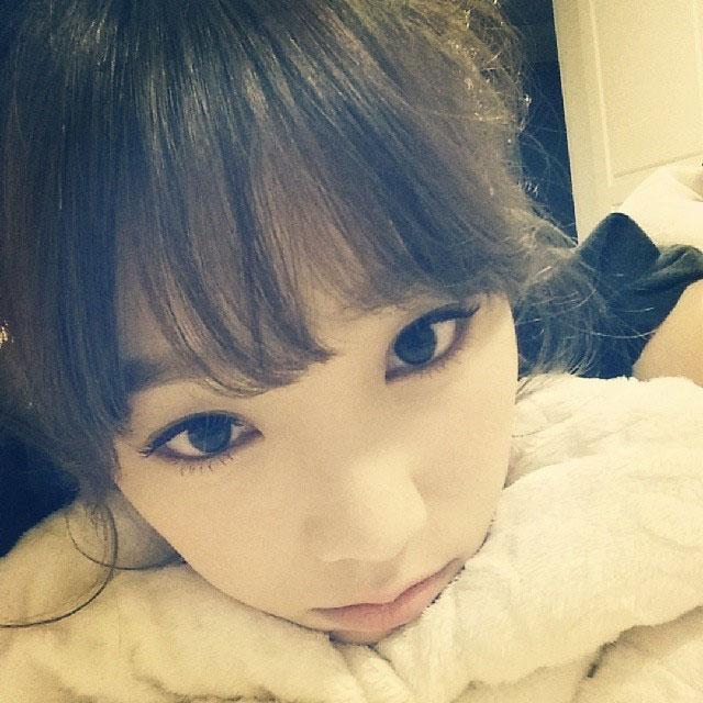 SNSD Taeyeon Instagram bedtime selca