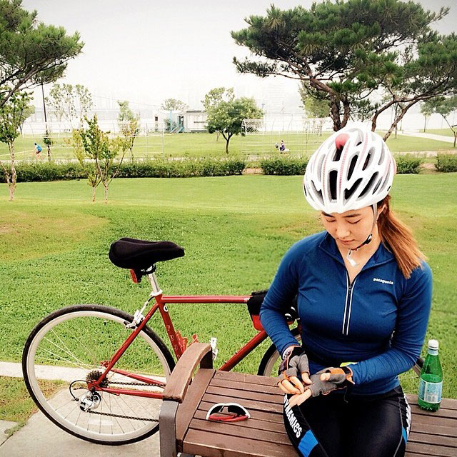 SNSD Yuri Instagram cycling exercise
