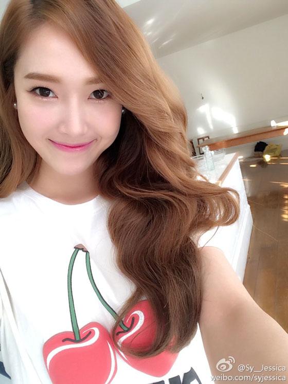 SNSD Jessica cherries Weibo selca