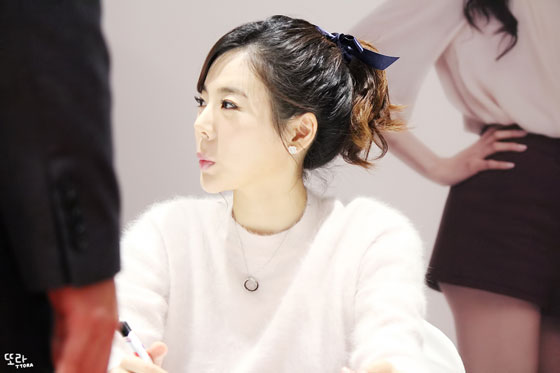 SNSD Sunny Lotte fan signing event 2014