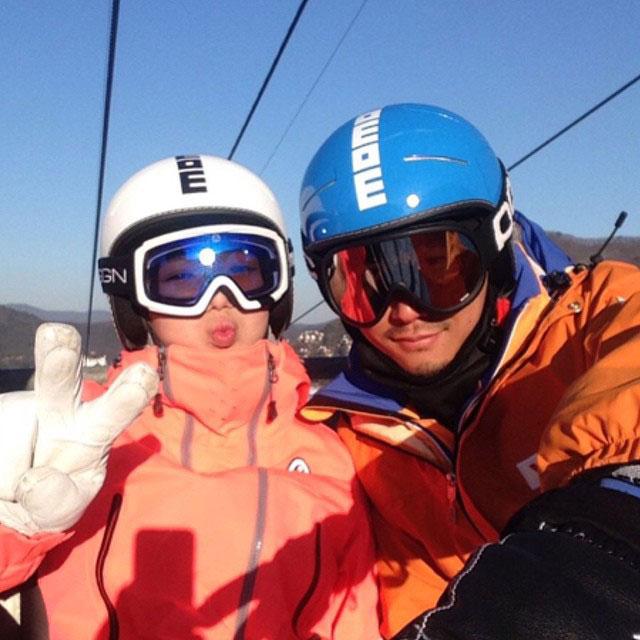 SNSD Hyoyeon Instagram skiing coach 2015