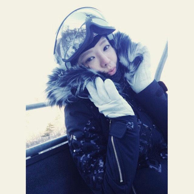 SNSD Hyoyeon Instagram skiing trip 2015