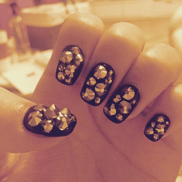SNSD Hyoyeon Instagram nail art 2015