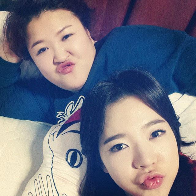 SNSD Sunny Instagram Roommate Gookju selca