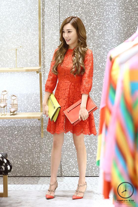 SNSD Tiffany Seoul Valentino store visit