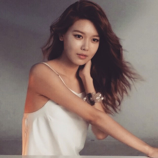 SNSD Sooyoung Instagram Cosmo photoshoot