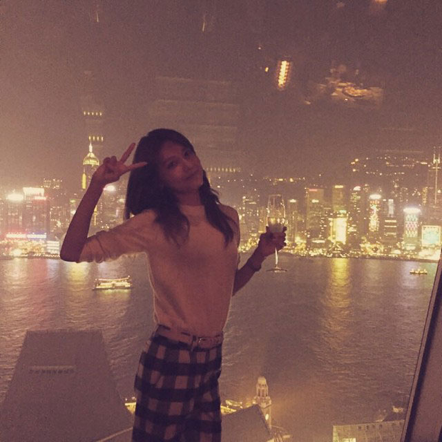 SNSD Sooyoung Hong Kong night view