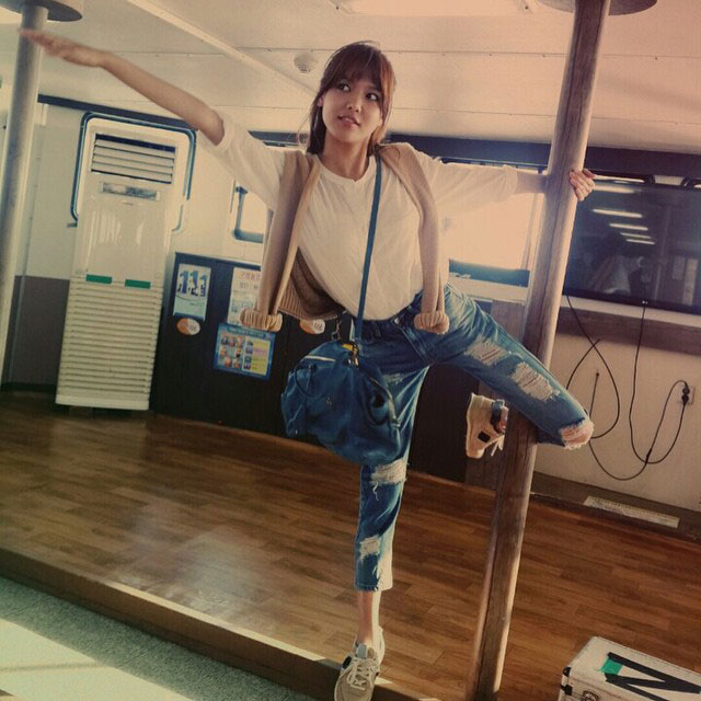 SNSD Sooyoung Instagram pole dance