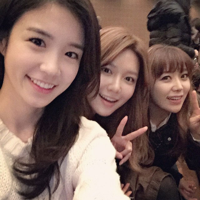 SNSD Sooyoung Instagram beautiful friends
