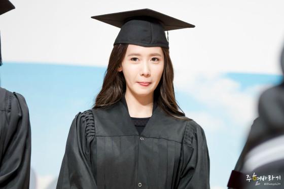 SNSD Yoona Dongguk University graduation